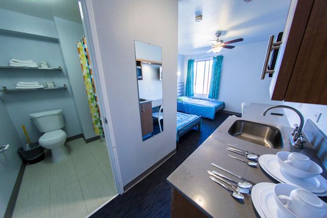 Sprachaufenthalt USA, San Diego - Converse San Diego - Accommodation - Residenz State Street Vantaggio - Badezimmer