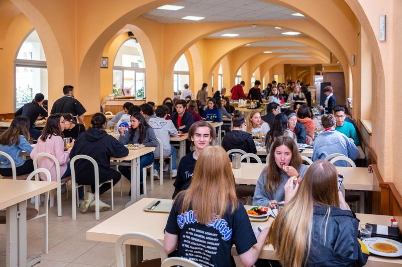 Sprachaufenthalt Frankreich, Cannes - College Interational - lunch2