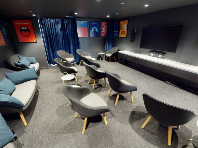 Sprachaufenthalt England, London - EC London - Accommodation - Apartment IQ Shoreditch - Kino