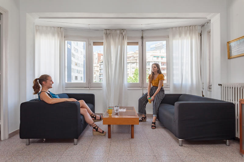 Sprachaufenthalt Spanien, Barcelona - Expanish Barcelona - Accommodation - Student Shared Apartment - Wohnzimmer