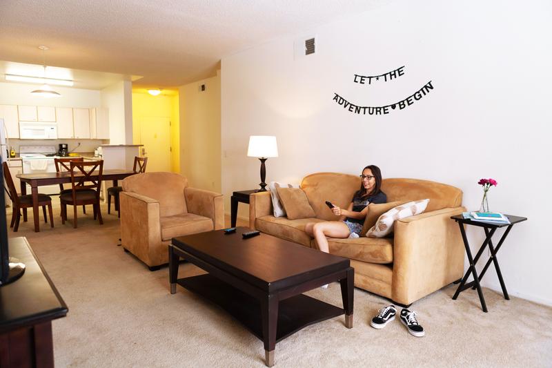 Sprachaufenthalt USA, San Diego - EC - Accommodation - Costa Verde Apartment - Wohnzimmer