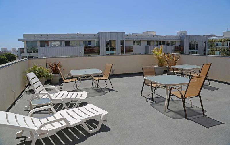Séjour linguistique États-Unis, Santa Monica - CEL Santa Monica - Appartement Studio Premium - Terrasse