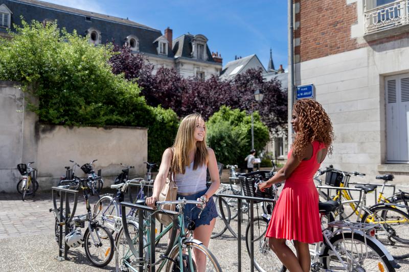 Séjour linguistique France, Tours - Institut de Touraine Tours - Étudiants