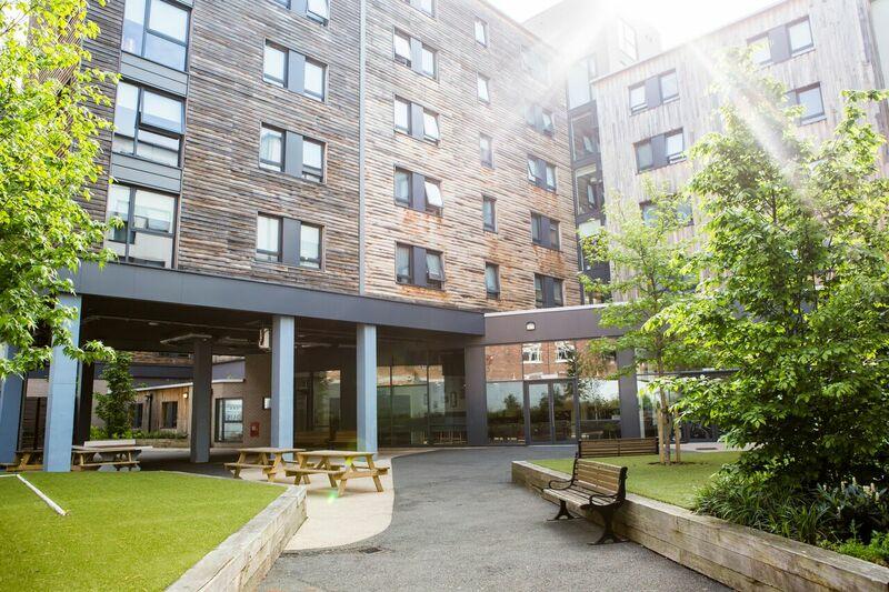 Sprachaufenthalt England, London - St Giles London Central - Accommodation - Highbury - Eingang