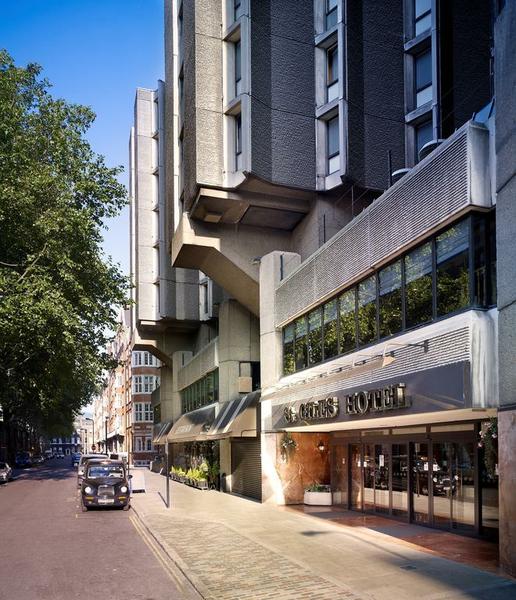 Sprachaufenthalt England, London - St Giles London Central - Accommodation - Hotel St Giles - Einagang
