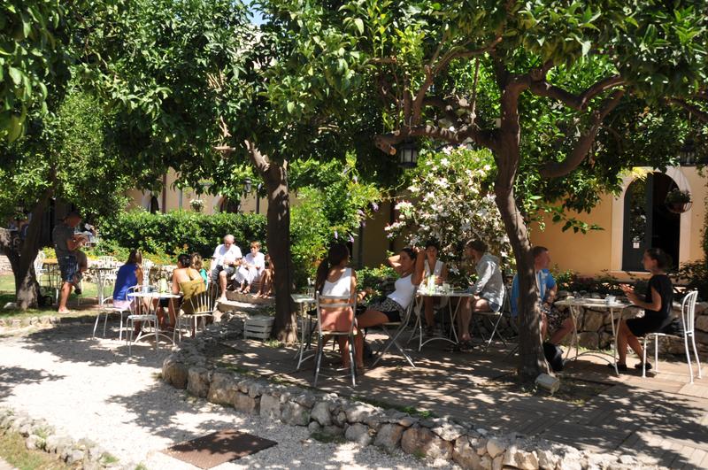 Sprachaufenthalt Italien, Taormina - Babilonia Taormina - Garten