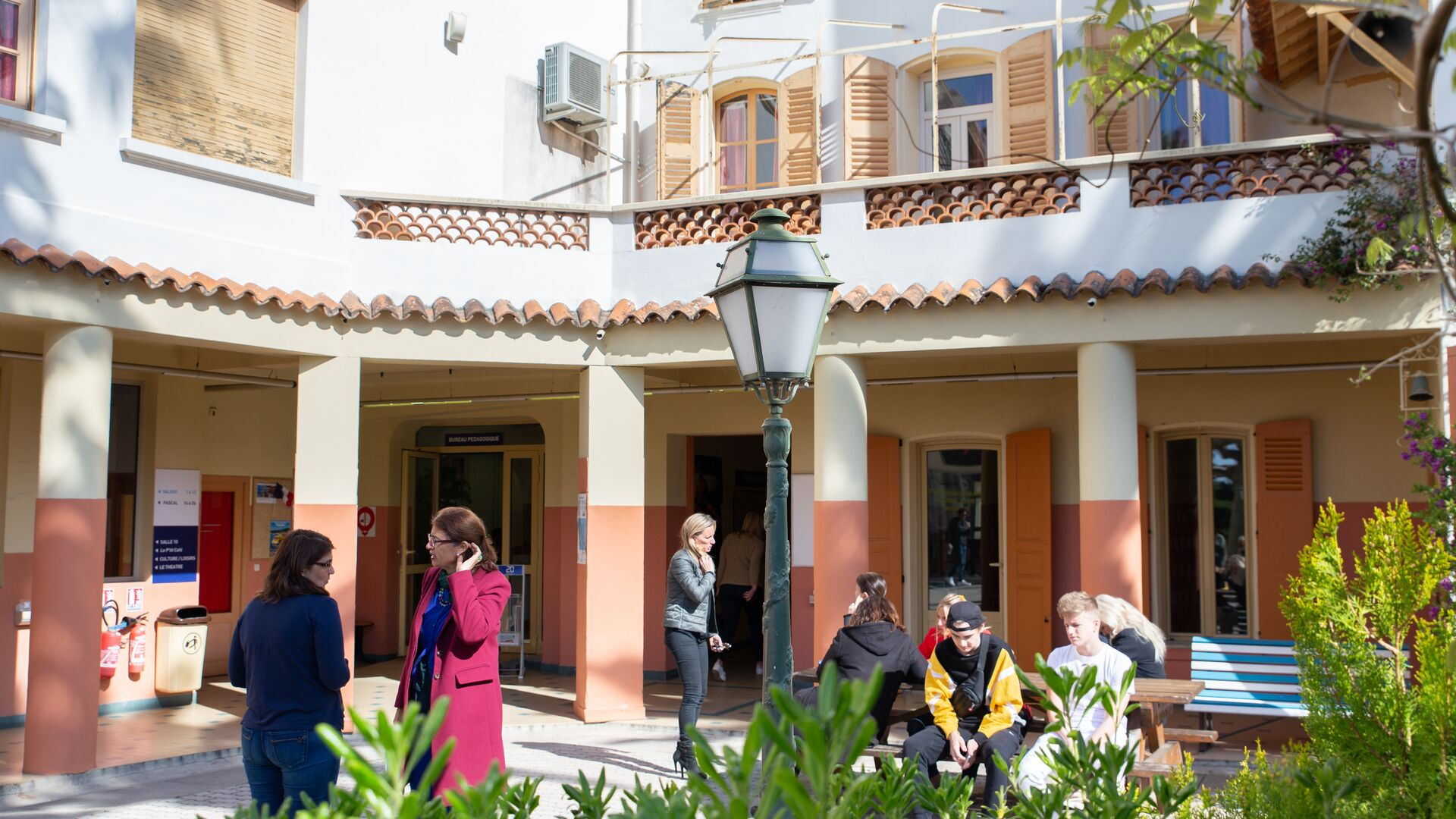 Sprachaufenthalt Sprachreise Französisch Frankreich in Cannes College International