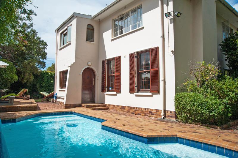 Sprachaufenthalt Südafrika, Capetown - GHS Southern Suburbs - Accommodation - GHS Student House - Pool