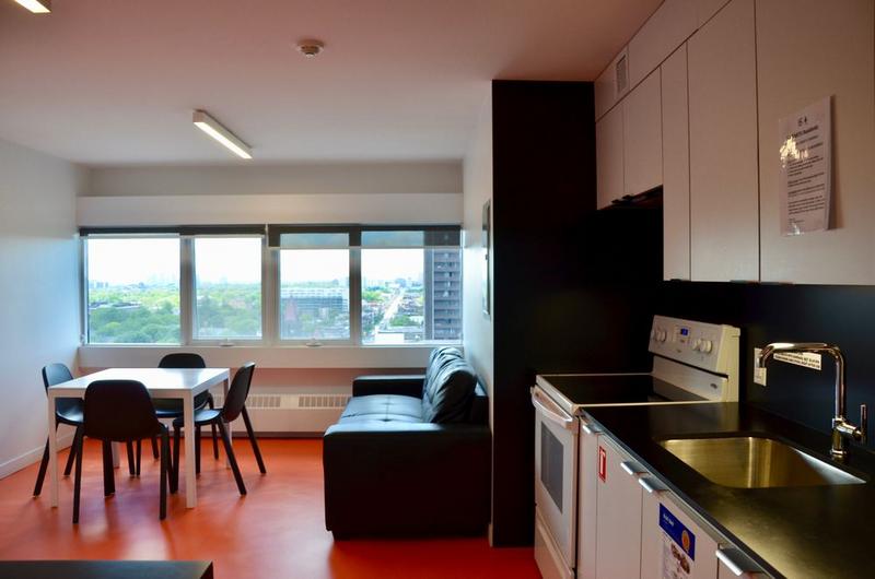 Sprachaufenthalt Kanada, Toronto - CES Toronto - Accommodation - Residenz Tartu College - Wohnzimmer