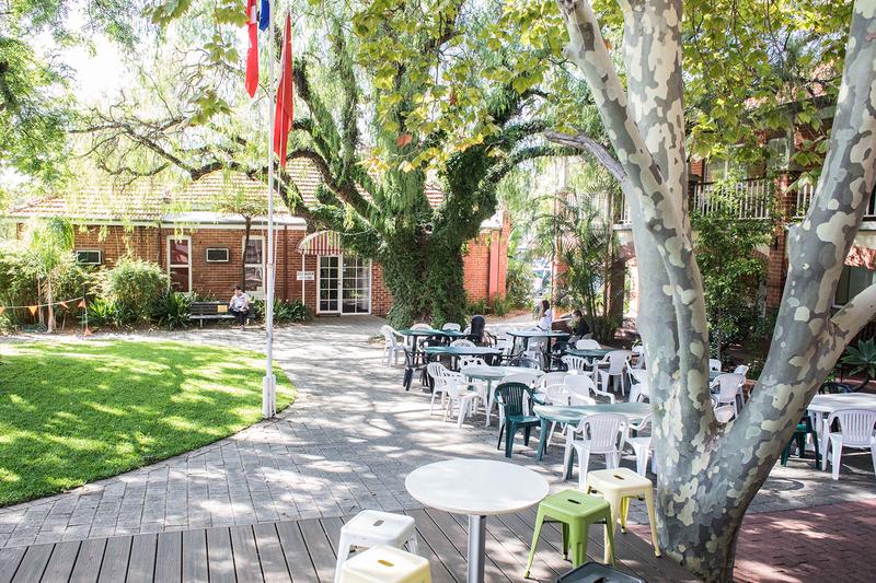 Séjour linguistique Australie, Perth - Phoenix Academy - terrasse