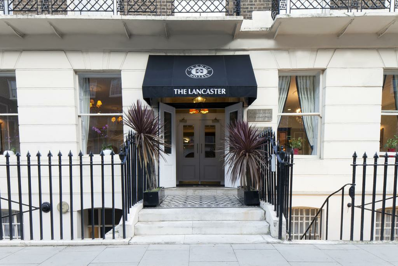 Sprachaufenthalt England, London - St Giles London Central - Accommodation - Hotel The Lancaster Grange - Eingang
