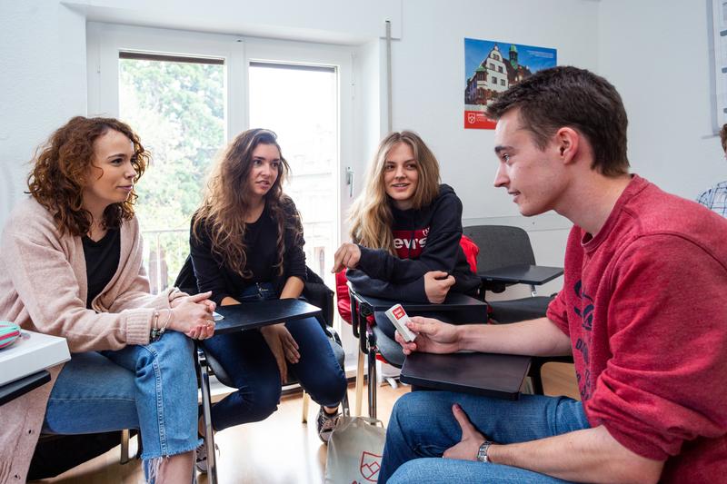 Sprachaufenthalt Deutschland, Freiburg in Breisgau -  Alpadia Language School - Studenten