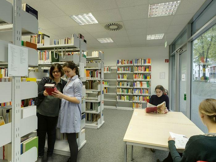 Séjour linguistique Allemagne, Bonn - Goethe-Institut Bonn - Bibliothèque - © Goethe-Institut
