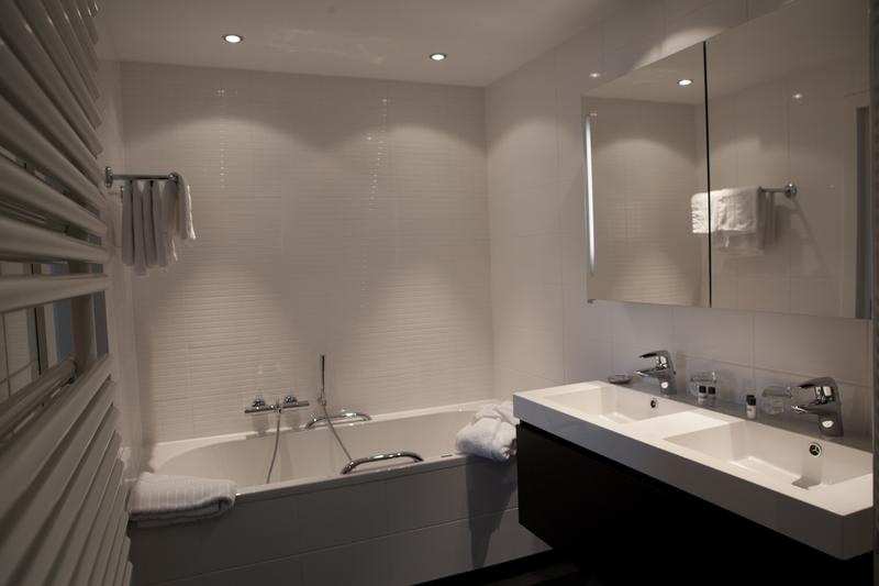 Sprachaufenthalt Belgien, Spa - Ceran SPA - Accommodation - Gästezimmer - Badezimmer