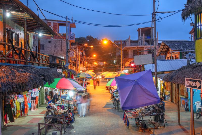 Sprachaufenthalt Ecuador, Montañita - Night Market
