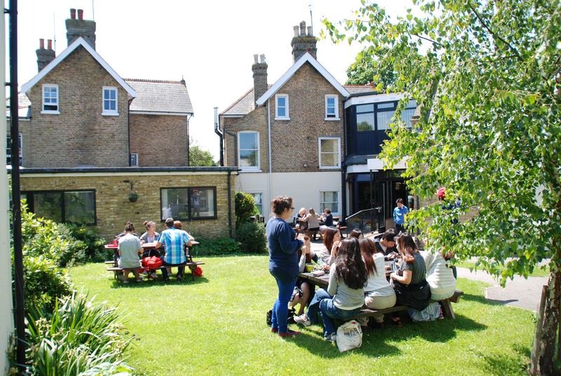 Sprachaufenthalt England, Broadstairs - Hilderstone College - Garten