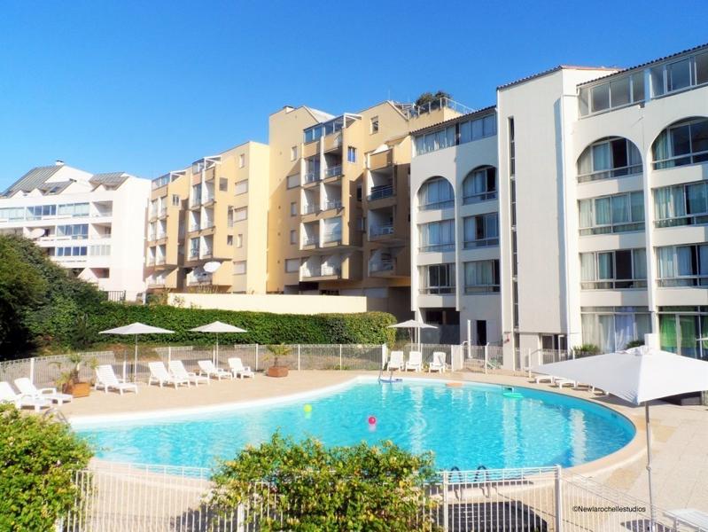 Sprachaufenthalt Frankreich, La Rochelle - Inlingua la Rochelle - Accommodation - Residenz New Rochelle - Pool