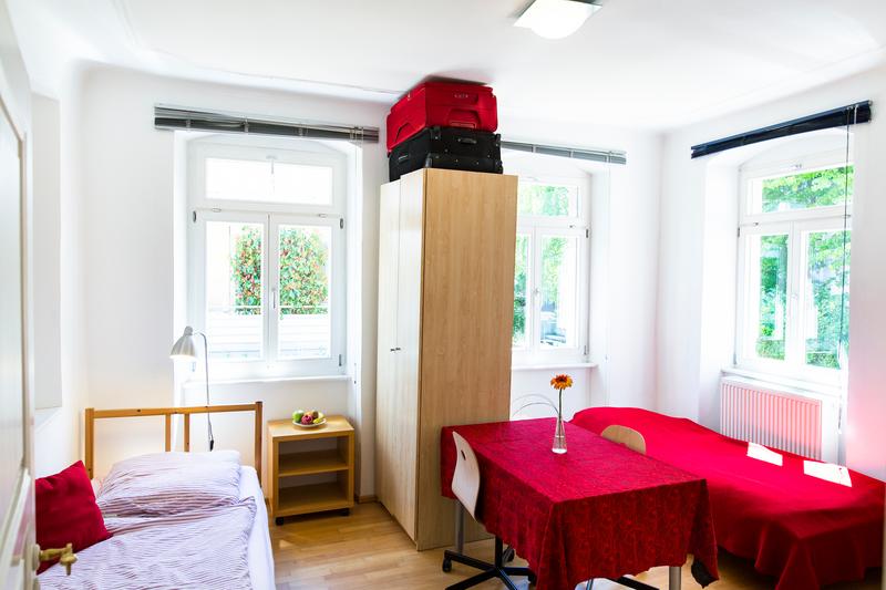 Sprachaufenthalt Deutschland, Freiburg - Alpadia Freiburg - Accommodation - Apartment Erwinstrasse - Zimmer
