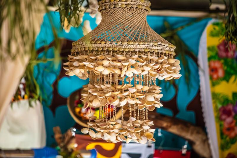 Séjour linguistique Tahiti, Punaauia - Lamppost in shells