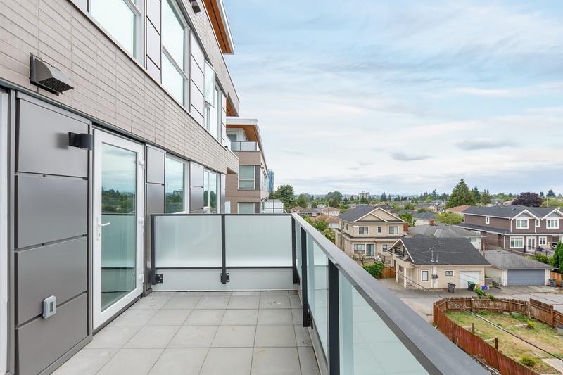 Sprachaufenthalt Kanada, Vancouver - St Giles Vancouver - Accommodation - GEC VIVA Tower - Balkon
