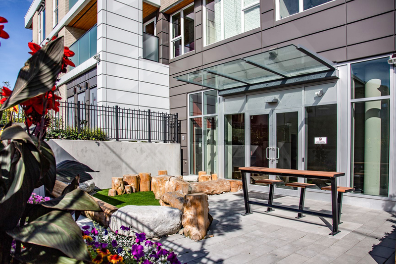 Sprachaufenthalt Kanada, Vancouver - St Giles Vancouver - Accommodation - GEC VIVA Tower - Terrasse
