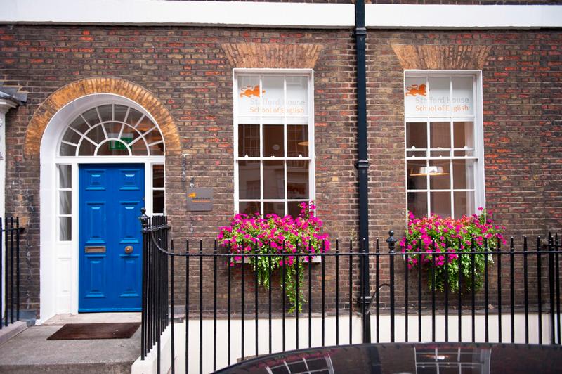 Sprachaufenthalt England, London - Stafford House London - Schulgebäude