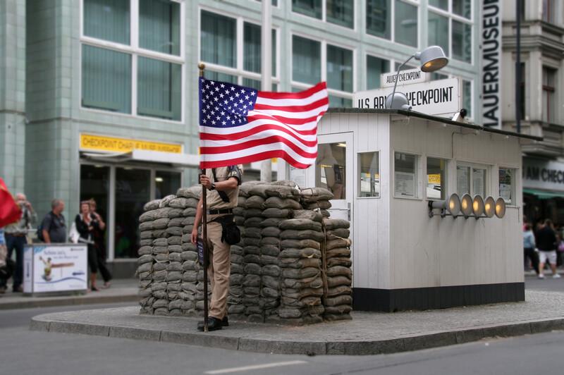 Sprachaufenthalt Deutschland, Berlin - Charlie Checkpoint