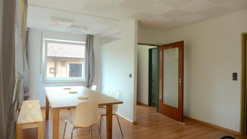 Sprachaufenthalt Deutschland, Freiburg - Alpadia Freiburg - Accommodation - Wohnzimmer