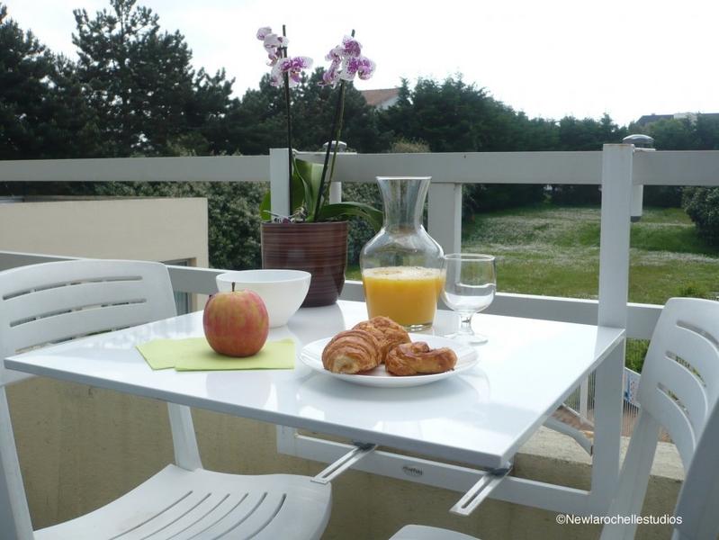 Sprachaufenthalt Frankreich, La Rochelle - Inlingua la Rochelle - Accommodation - Residenz New Rochelle - Terrasse