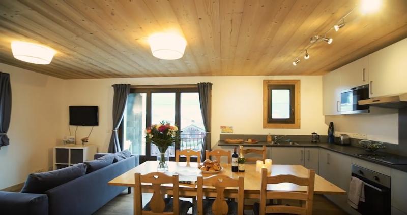 Sprachaufenthalt Frankreich, Morzine - Alpine French School Morzine - Accommodation - Shared Apartment - Küche