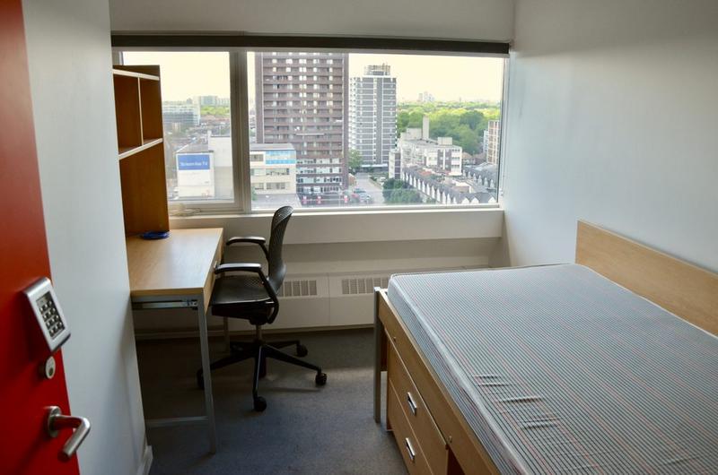 Sprachaufenthalt Kanada, Toronto - CES Toronto - Accommodation - Residenz Tartu College - Zimmer