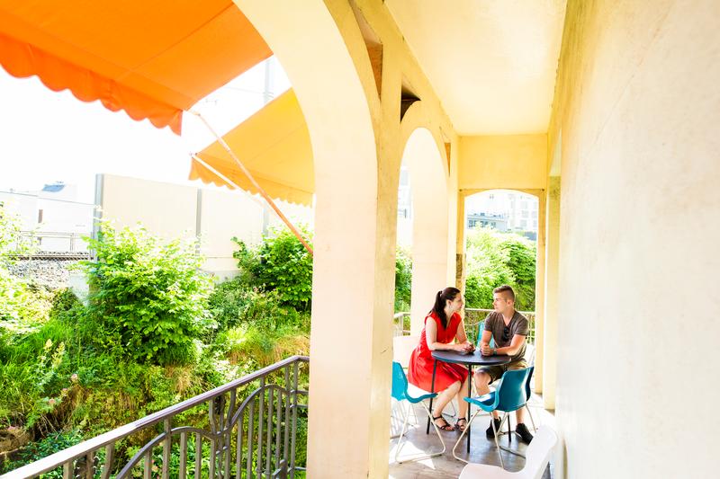 Sprachaufenthalt Schweiz, Montreux - Alpadia Language School Montreux - Accommodation - Riviera - Balkon