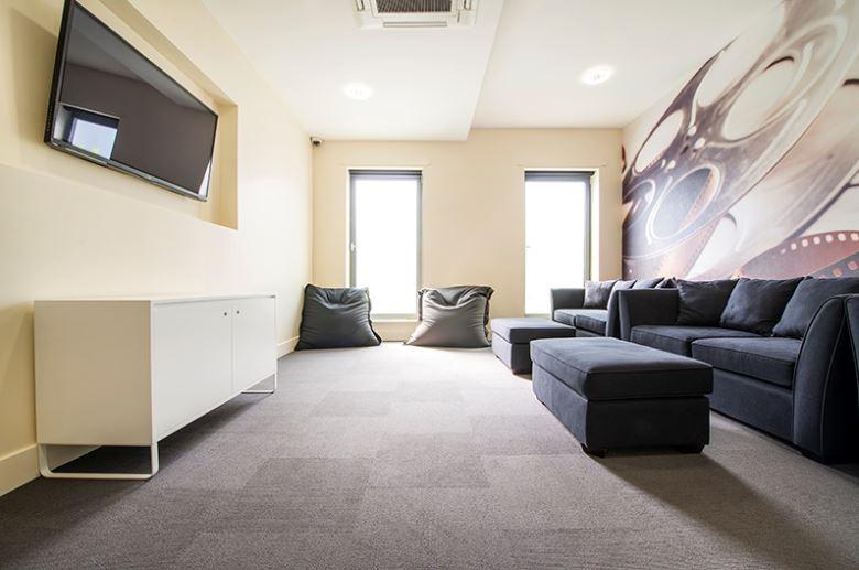 Sprachaufenthalt England, Edinburgh - CES Edinburgh - Accommodation - Residenz Canal Point - Wohnzimmer