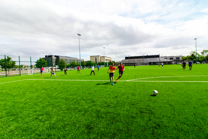 Sprachaufenthalt Irland, Dublin - Apollo Language Centre Maynooth University - Fussball